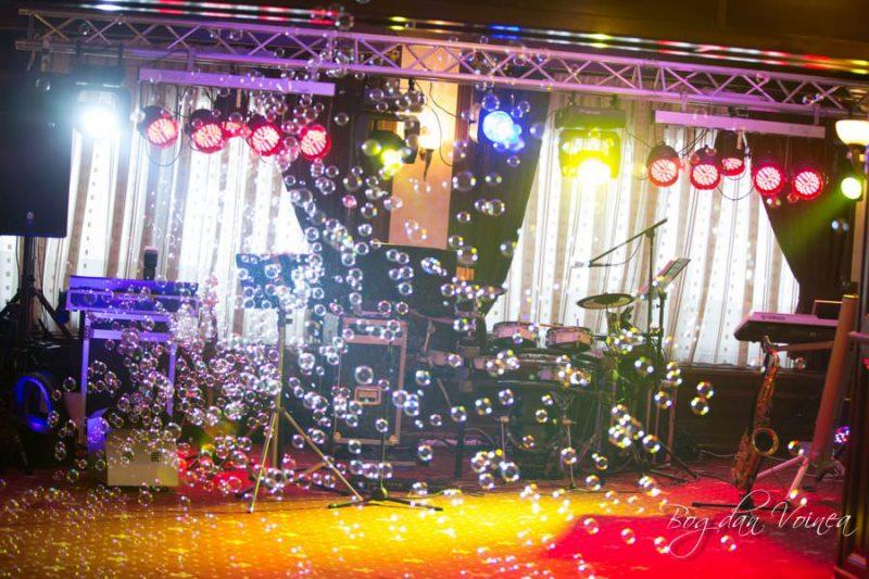 scena formatie nunta mirage band